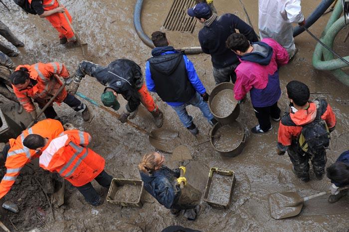 Genova alluvione angeli del fango 2014